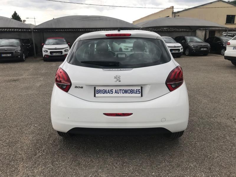Photo 5 de l'offre de PEUGEOT 208 AFFAIRE 1.6 BLUEHDI 100CH PREMIUM PACK à 8900€ chez Brignais automobiles