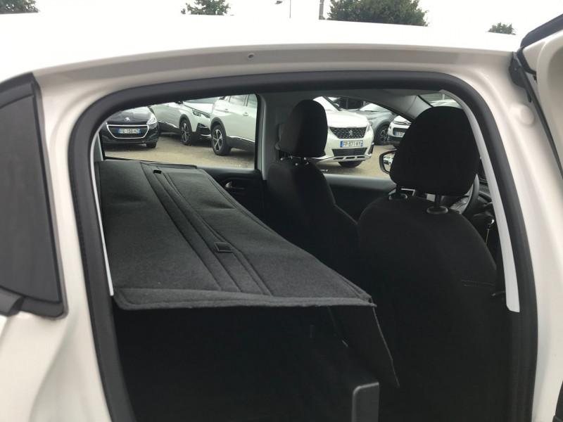 Photo 9 de l'offre de PEUGEOT 208 AFFAIRE 1.6 BLUEHDI 100CH PREMIUM PACK à 8900€ chez Brignais automobiles