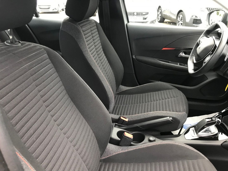 Photo 8 de l'offre de PEUGEOT 208 1.2 PURETECH 100CH S&S ACTIVE EAT8 à 17500€ chez Brignais automobiles