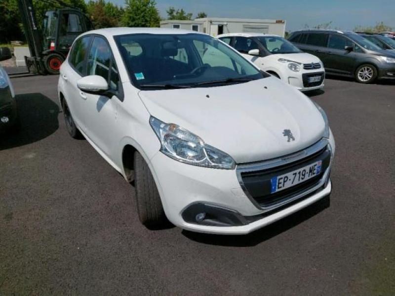 Photo 2 de l'offre de PEUGEOT 208 AFFAIRE 1.6 BLUEHDI 100CH PREMIUM PACK à 6500€ chez Brignais automobiles