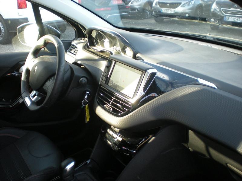 Photo 7 de l'offre de PEUGEOT 2008 1.5 BLUEHDI 100CH E6.C GT LINE S&S BVM5 86G à 19900€ chez Brignais automobiles