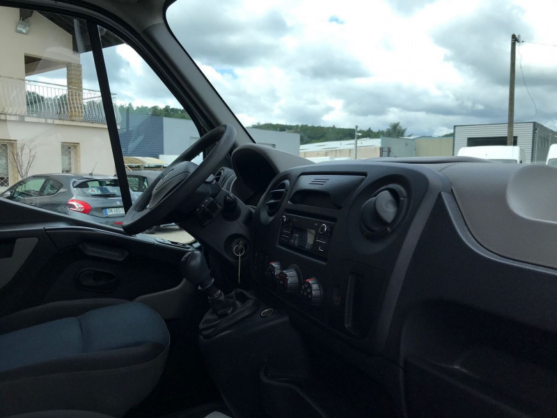 Photo 7 de l'offre de RENAULT MASTER III FG F3500 L2H2 2.3 DCI 110CH CABINE APPROFONDIE GRAND CONFORT EURO6 à 17900€ chez Brignais automobiles