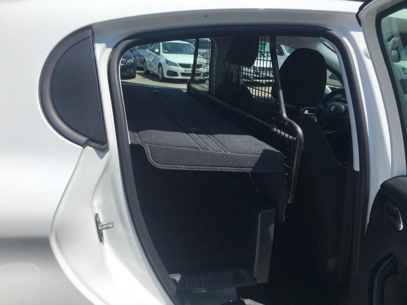 Photo 9 de l'offre de PEUGEOT 208 AFFAIRE 1.6 BLUEHDI 75CH PREMIUM PACK à 8900€ chez Brignais automobiles