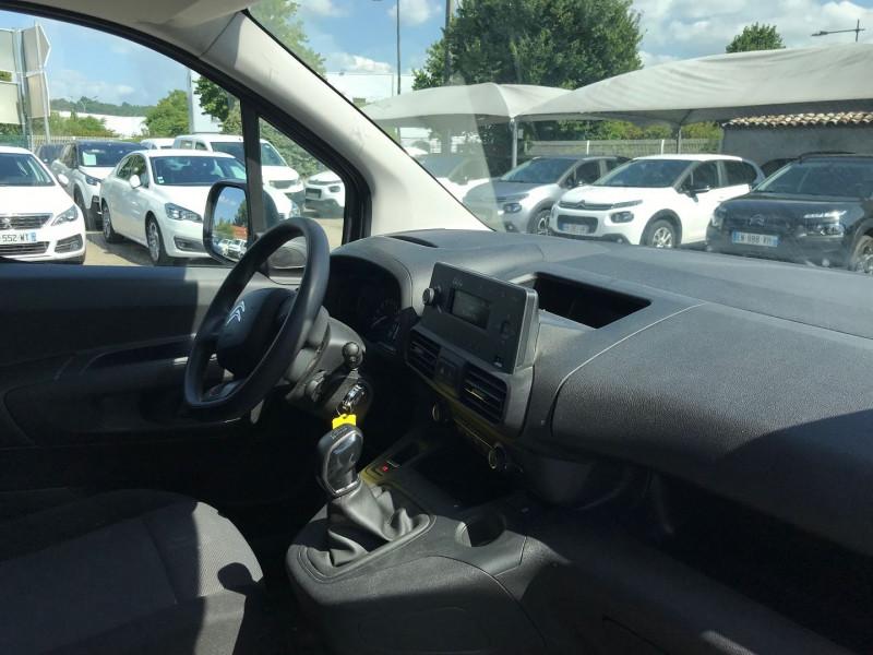 Photo 7 de l'offre de CITROEN BERLINGO VAN XL 950KG BLUEHDI 100 S&S CLUB à 15900€ chez Brignais automobiles