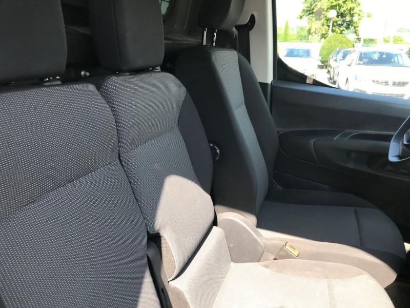 Photo 8 de l'offre de PEUGEOT PARTNER STANDARD 1000KG BLUEHDI 100CH S&S PREMIUM à 16200€ chez Brignais automobiles