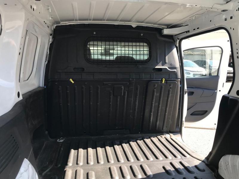 Photo 10 de l'offre de PEUGEOT PARTNER STANDARD 1000KG BLUEHDI 100CH S&S PREMIUM à 16200€ chez Brignais automobiles