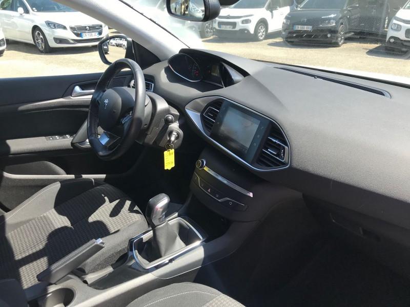 Photo 7 de l'offre de PEUGEOT 308 AFFAIRE 1.6 BLUEHDI 100CH S&S PREMIUM PACK à 11900€ chez Brignais automobiles