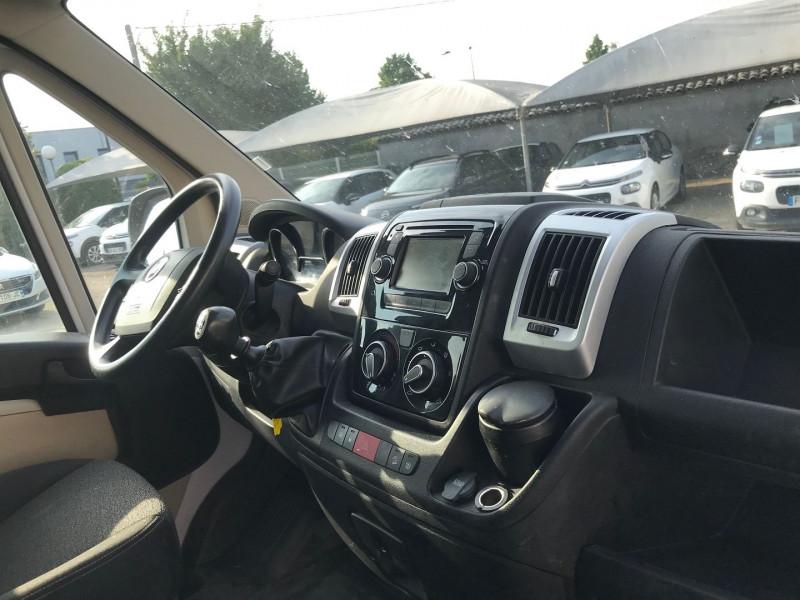 Photo 7 de l'offre de FIAT DUCATO BENNE 3.5 MAXI L 2.3 MULTIJET 130CH ACIER PACK PRO NAV + COFFRE JPM à 26280€ chez Brignais automobiles