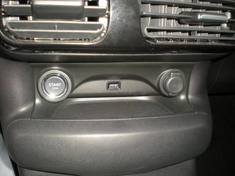 Photo 12 de l'offre de CITROEN C4 CACTUS BLUEHDI 100CH S&S SHINE E6.D-TEMP à 16900€ chez Brignais automobiles