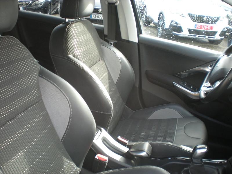 Photo 8 de l'offre de PEUGEOT 2008 1.6 BLUEHDI 100CH ALLURE BUSINESS S&S à 12400€ chez Brignais automobiles