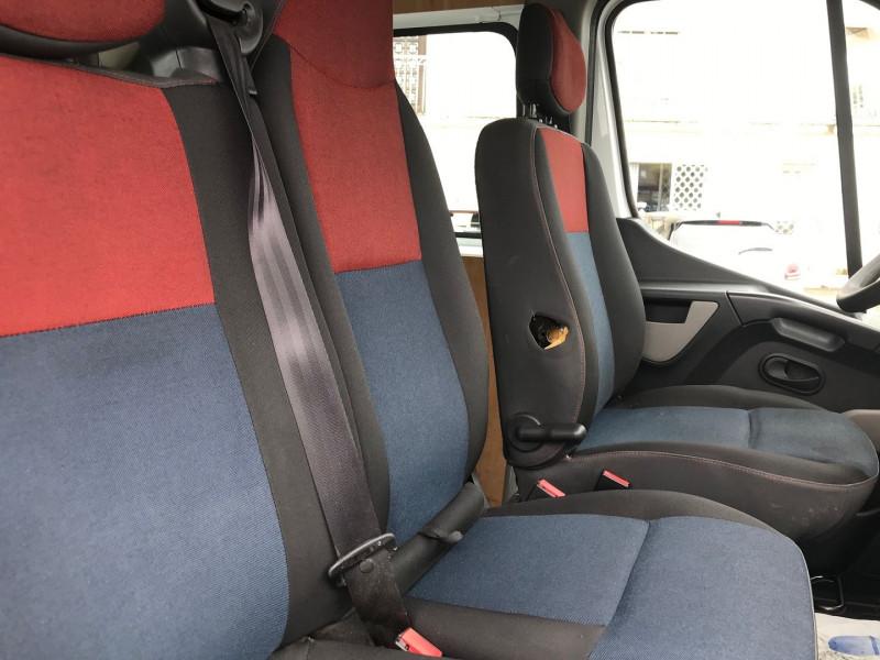 Photo 8 de l'offre de RENAULT MASTER III FG F3500 L2H2 2.3 DCI 110CH CABINE APPROFONDIE GRAND CONFORT EURO6 à 15900€ chez Brignais automobiles