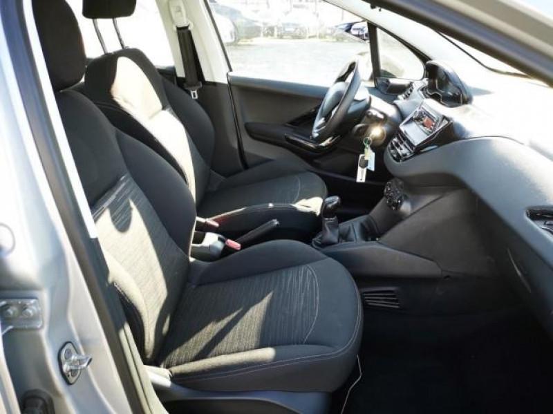 Photo 6 de l'offre de PEUGEOT 208 AFFAIRE 1.6 BLUEHDI 75CH PACK CLIM 5P à 7900€ chez Brignais automobiles