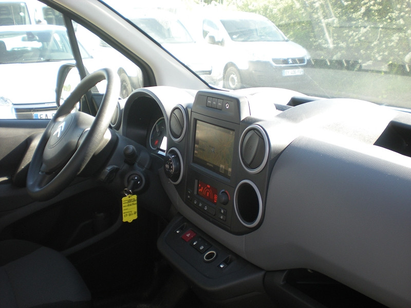 Photo 7 de l'offre de CITROEN BERLINGO M ELECTRIC CLUB à 15900€ chez Brignais automobiles