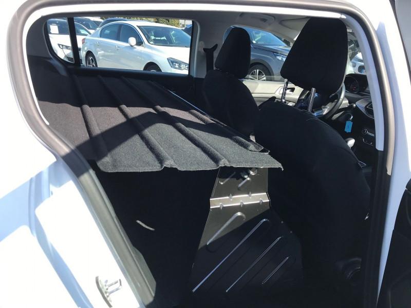 Photo 9 de l'offre de PEUGEOT 308 AFFAIRE 1.6 BLUEHDI 100CH S&S PREMIUM PACK à 9900€ chez Brignais automobiles