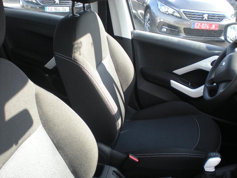 Photo 8 de l'offre de PEUGEOT 208 1.6 BLUEHDI 75CH LIKE 5P à 10900€ chez Brignais automobiles