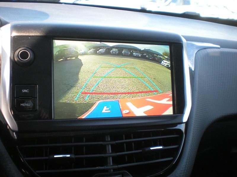 Photo 12 de l'offre de PEUGEOT 2008 1.5 BLUEHDI 100CH E6.C GT LINE S&S BVM5 86G à 19900€ chez Brignais automobiles