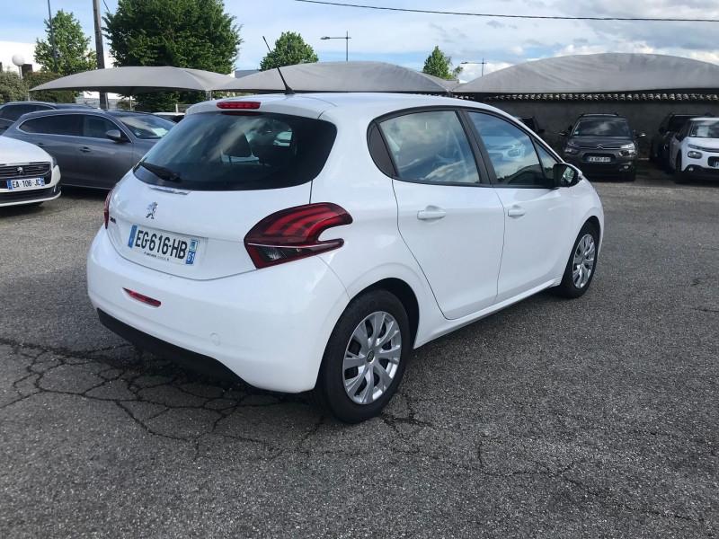 Photo 6 de l'offre de PEUGEOT 208 1.6 BLUEHDI 75CH ACTIVE 5P à 8900€ chez Brignais automobiles