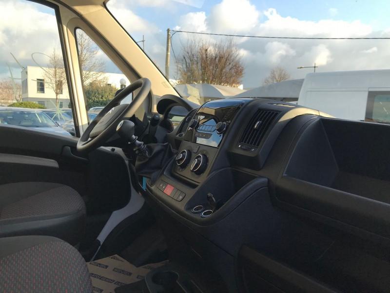 Photo 7 de l'offre de CITROEN JUMPER FG 35 L1H2 2.2 BLUEHDI 140 S&S CONTROL à 25080€ chez Brignais automobiles