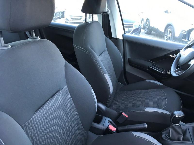 Photo 8 de l'offre de PEUGEOT 208 1.6 BLUEHDI 75CH ACTIVE 5P à 11900€ chez Brignais automobiles