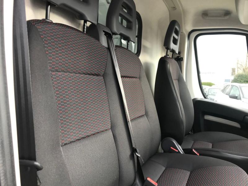 Photo 8 de l'offre de CITROEN JUMPER FG 35 L1H2 2.2 BLUEHDI 140 S&S CONTROL à 25080€ chez Brignais automobiles