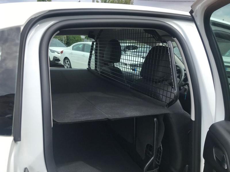 Photo 10 de l'offre de CITROEN C3 STE 1.6 BLUEHDI 75 S&S 79G CONFORT à 6400€ chez Brignais automobiles