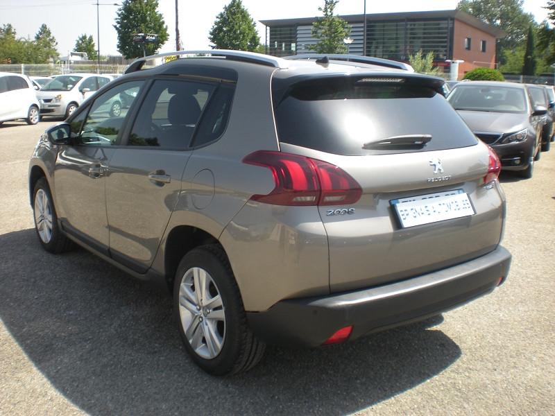 Photo 4 de l'offre de PEUGEOT 2008 1.2 PURETECH 82CH STYLE à 11900€ chez Brignais automobiles