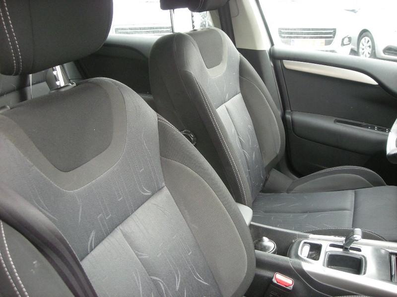 Photo 8 de l'offre de CITROEN C4 STE 1.6 E-HDI 115 FAP BUSINESS ETG6 à 10900€ chez Brignais automobiles