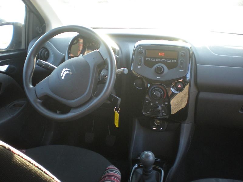 Photo 10 de l'offre de CITROEN C1 VTI 72 FEEL 5P à 9900€ chez Brignais automobiles