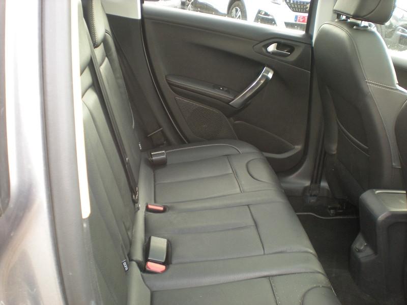 Photo 9 de l'offre de PEUGEOT 2008 1.6 BLUEHDI 100CH FELINE TITANE à 15900€ chez Brignais automobiles