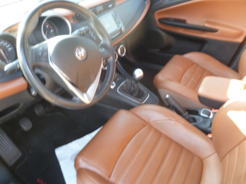 Photo 5 de l'offre de ALFA ROMEO GIULIETTA STE 2.0 JTDM 150CH SUPER STOP&START à 11900€ chez Brignais automobiles