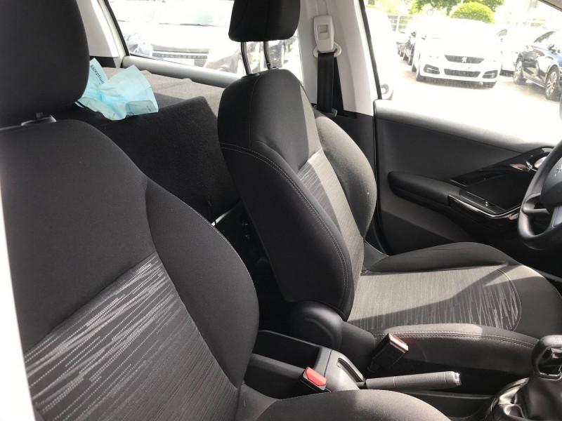 Photo 8 de l'offre de PEUGEOT 208 AFFAIRE 1.6 BLUEHDI 100CH PACK CLIM 5P à 7200€ chez Brignais automobiles