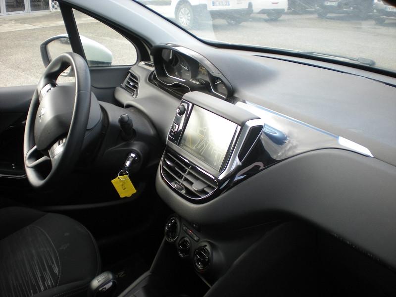 Photo 7 de l'offre de PEUGEOT 208 AFFAIRE 1.6 BLUEHDI 100CH PACK CLIM NAV 5P à 8900€ chez Brignais automobiles