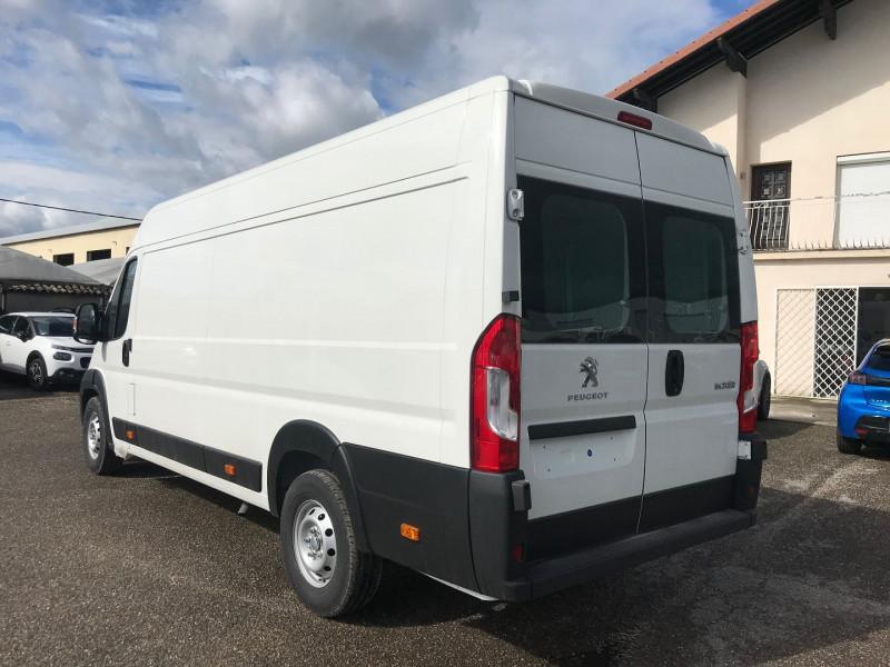 Photo 4 de l'offre de PEUGEOT BOXER FG 435 L4H2 2.2 BLUEHDI S&S 165CH VITRE PRO à 27480€ chez Brignais automobiles