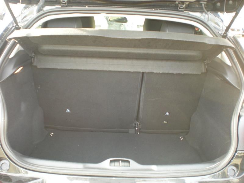 Photo 11 de l'offre de CITROEN C4 CACTUS BLUEHDI 100CH S&S SHINE E6.D-TEMP à 16900€ chez Brignais automobiles