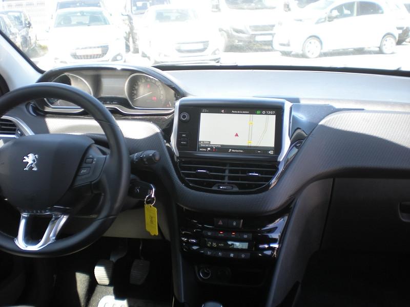 Photo 10 de l'offre de PEUGEOT 2008 1.6 BLUEHDI 100CH ALLURE à 16900€ chez Brignais automobiles
