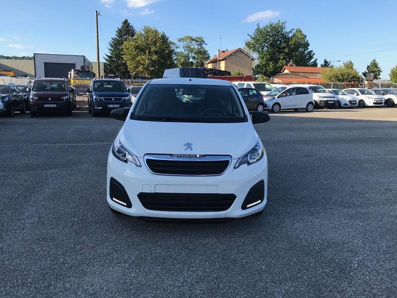 Photo 2 de l'offre de PEUGEOT 108 VTI 72 LIKE S&S 85G 3P à 10500€ chez Brignais automobiles