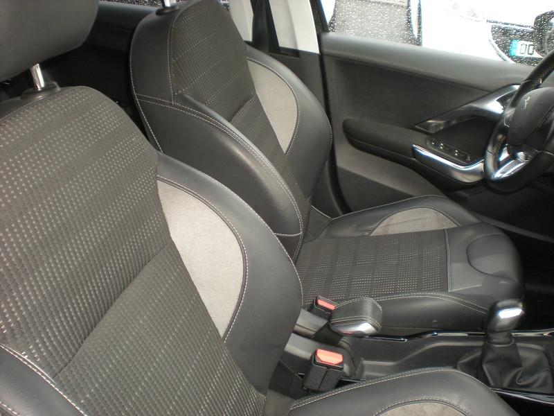 Photo 8 de l'offre de PEUGEOT 2008 1.6 BLUEHDI 100CH BUSINESS PACK BVM5 à 10900€ chez Brignais automobiles