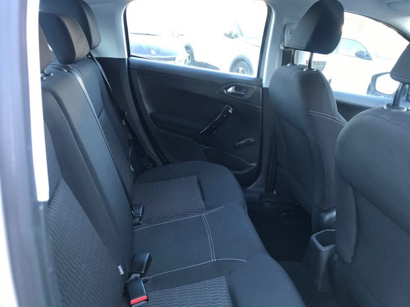 Photo 9 de l'offre de PEUGEOT 208 1.6 BLUEHDI 75CH ACTIVE 5P à 11900€ chez Brignais automobiles