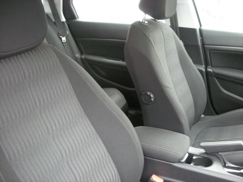 Photo 8 de l'offre de PEUGEOT 308 SW 1.6 HDI FAP 92CH ACTIVE à 12500€ chez Brignais automobiles