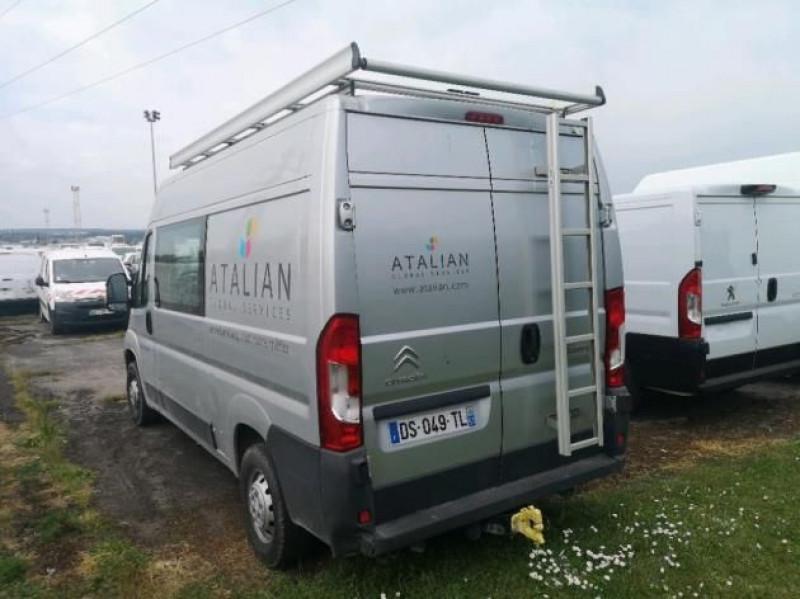 Photo 3 de l'offre de CITROEN JUMPER FG 30 L2H2 2.2 HDI 110 CLUB à 16900€ chez Brignais automobiles