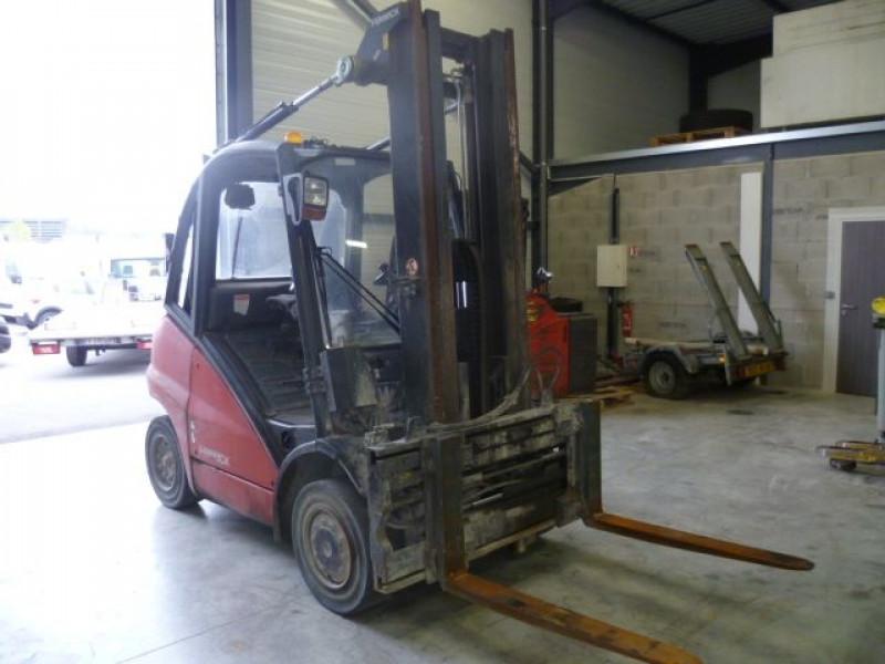 Photo 2 de l'offre de FENWICK CHARIOT FRONTAL DIESEL H40D à 14000€ chez Brignais automobiles
