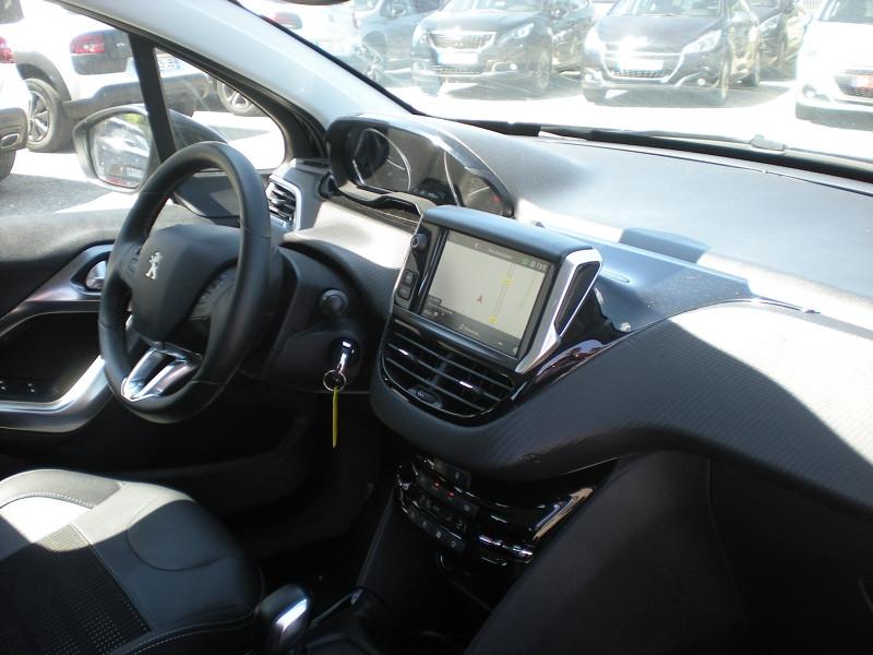 Photo 7 de l'offre de PEUGEOT 2008 1.6 BLUEHDI 100CH ALLURE à 16900€ chez Brignais automobiles