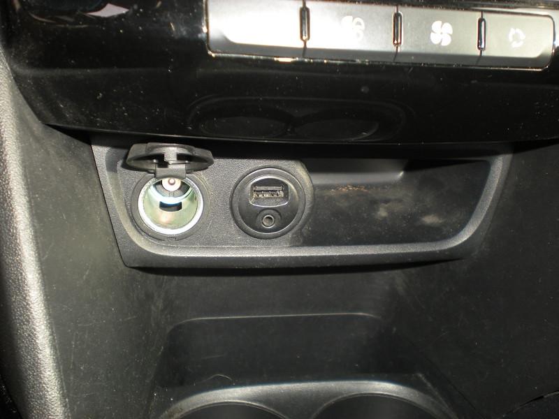Photo 14 de l'offre de PEUGEOT 2008 1.6 BLUEHDI 100CH  BUSINESS PACK à 10900€ chez Brignais automobiles