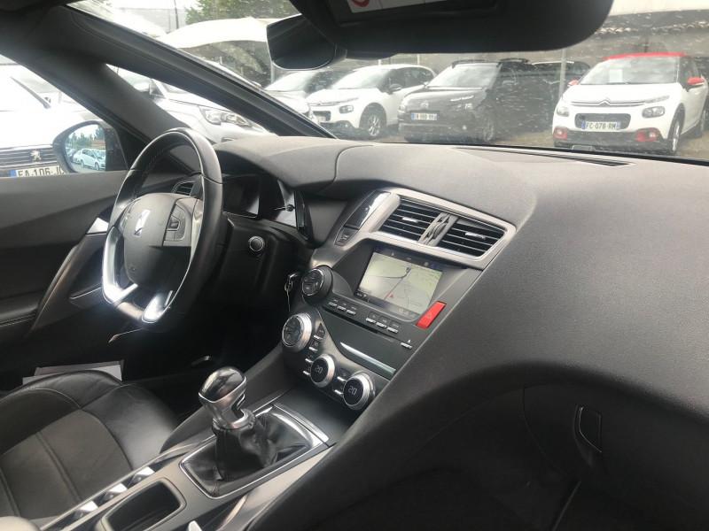 Photo 7 de l'offre de DS DS 5 BLUEHDI 150CH SO CHIC S&S à 17400€ chez Brignais automobiles