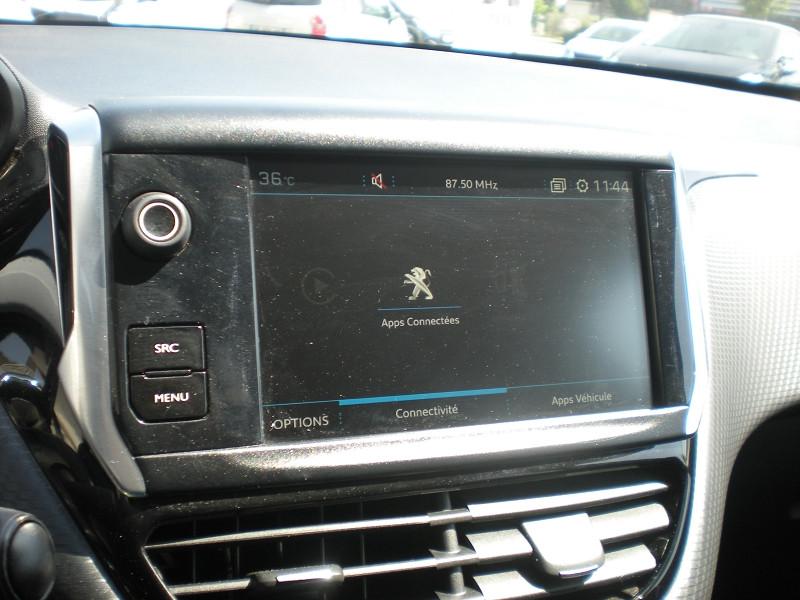 Photo 11 de l'offre de PEUGEOT 2008 1.2 PURETECH 82CH STYLE à 11900€ chez Brignais automobiles