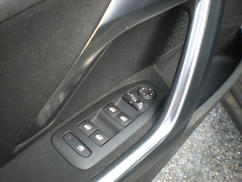 Photo 12 de l'offre de PEUGEOT 2008 1.6 BLUEHDI 100CH  BUSINESS PACK à 10900€ chez Brignais automobiles