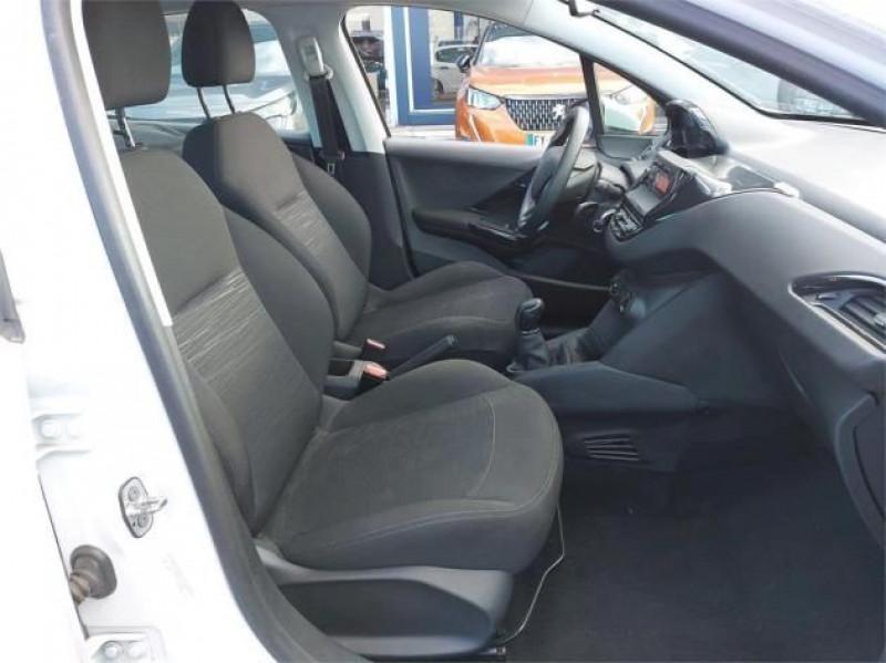 Photo 5 de l'offre de PEUGEOT 208 AFFAIRE 1.6 BLUEHDI 100CH PREMIUM à 8900€ chez Brignais automobiles