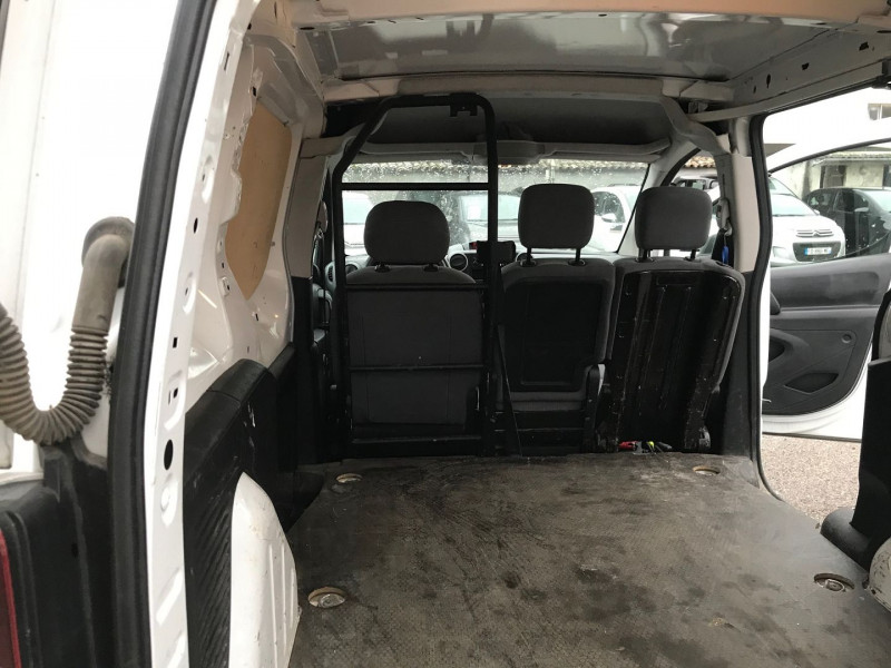 Photo 9 de l'offre de PEUGEOT PARTNER STANDARD 1.6 BLUEHDI 75CH PREMIUM à 10900€ chez Brignais automobiles