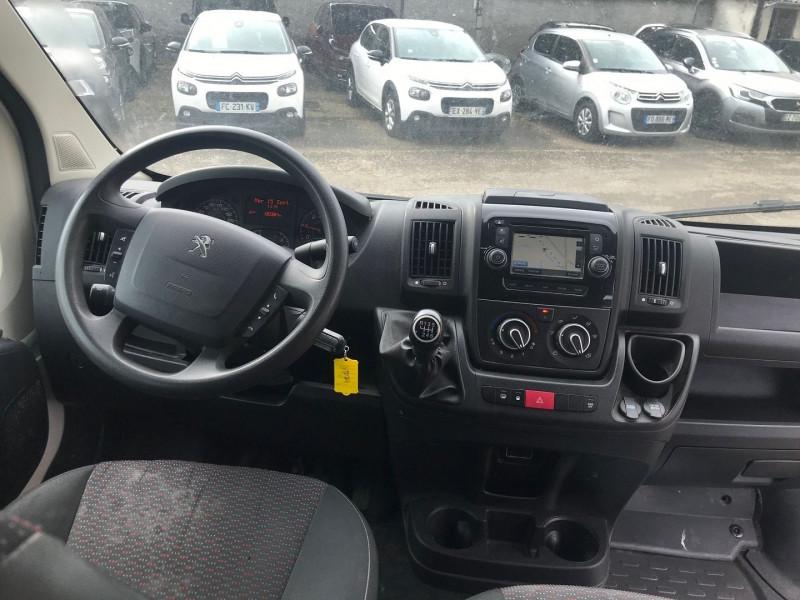 Photo 10 de l'offre de PEUGEOT BOXER FG 333 L2H2  2.0 BLUEHDI 130 CAB APPROF PREMIUM PACK à 15900€ chez Brignais automobiles