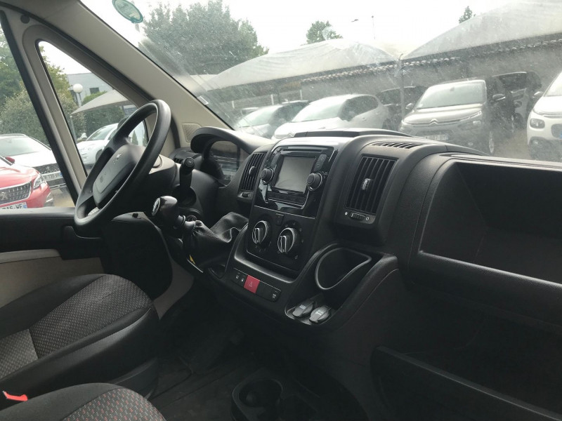 Photo 7 de l'offre de PEUGEOT BOXER FG 333 L2H2  2.0 BLUEHDI 130 CAB APPROF PREMIUM PACK à 15900€ chez Brignais automobiles